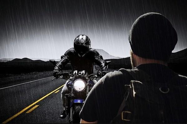 10 Menit Pertama Mengendarai Motor Ketika Hujan Yang Berbahaya